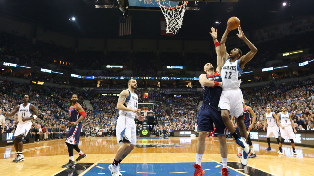 Washington Wizards Blog - Andrew Wiggins looks to dunk on Marcin Gortat